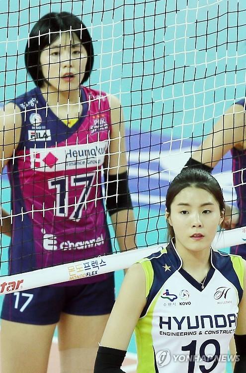이재영(왼) 이다영 배구선수 [사진 연합뉴스]