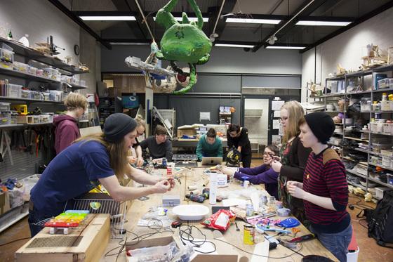 핀란드 코딩 교육업체 미헤킷은 일선 고등학교와 협력해 방과후 '코딩 교실'을 연다. 핀란드엔 이런 학교만 200개가 넘는다. [사진 미헤킷]