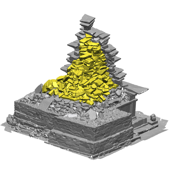 일제는 1915년 미륵사지 석탑 보강을 위해 탑신에 콘크리트를 덧씌웠다. 컴퓨터로 콘트리트를 제거한 모습. [사진 문화재청]