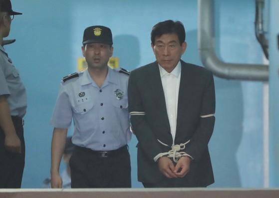 원세훈 전 국정원장. [중앙포토]