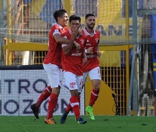 이탈리아 세리에B 페루자 공격수 한광성(가운데)이 17일 파르마와 경기에서 골을 터트린 뒤 기뻐하고 있다. [사진 페루자 트위터]