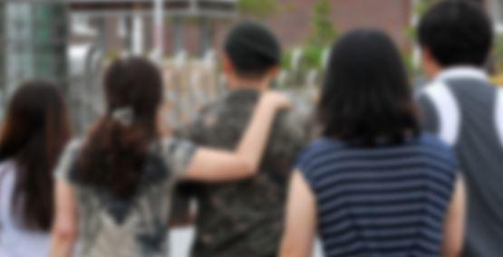 휴가나온 군인 자료사진. 사진은 기사 내용과 관련 없음. [중앙포토]