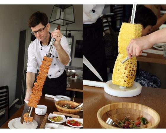 더 리스에서는 재료를 꼬챙이에 꿰 숯불에 굽는 브라질식 바비큐 슈하스코를 맛볼 수 있다.