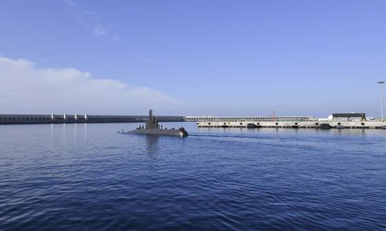 장보고급 잠수함이 임무종료 후 제주민군복합항에 입항하고 있다. [사진 해군]