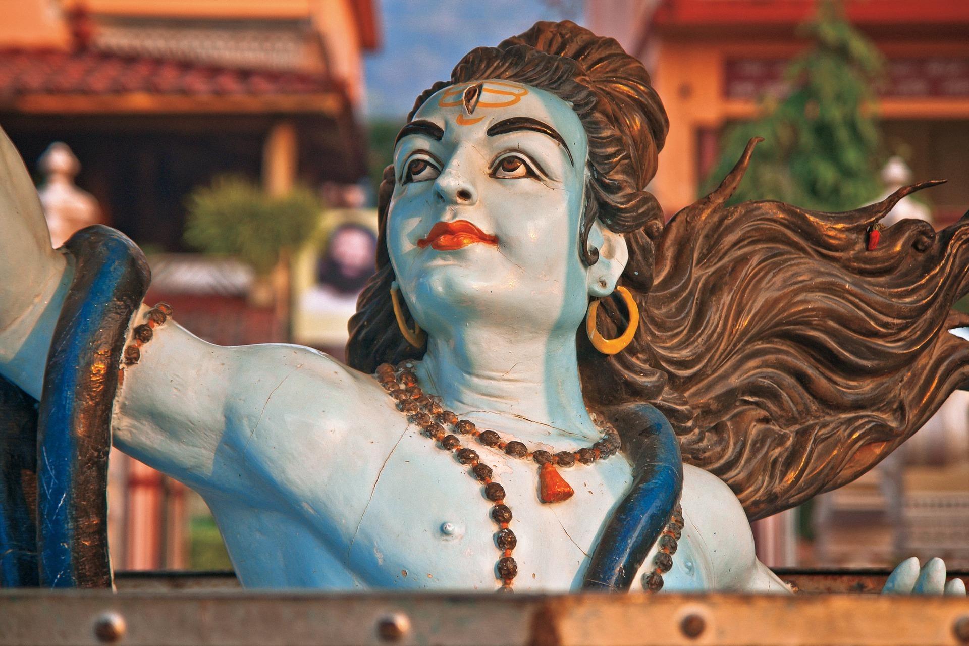 수억에 달하는 인도의 신 중에서 가장 인기가 있는 '파괴의 신 시바'. 특히 인도의 하층민들이 시바신을 섬긴다.