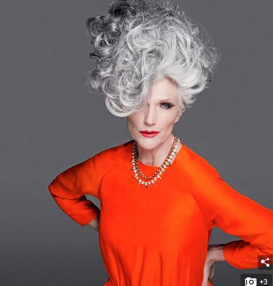 50년 관록의 모델이자 테슬라 CEO 일론 머스크의 어머니인 69세 메이 머스크. [인스타그램]