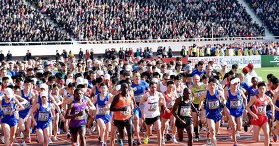올 4월 열린 제28차 만경대상 국제마라톤경기대회 [연합뉴스]