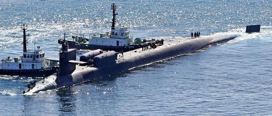 핵추진 잠수함 미시간함 부산 입항