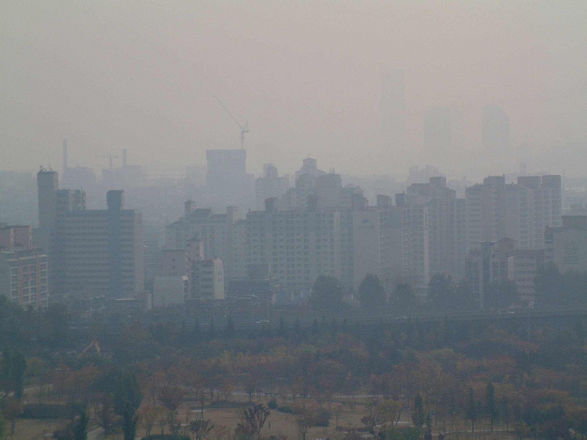 하늘공원에서 내려다 본 서울의 대기오염. 강찬수 기자
