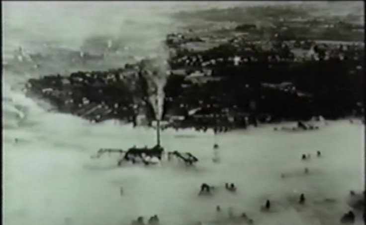 공장 굴뚝에서 나온 대기오염 물질이 멀리 확산되지 못하고 벨기에 뮤즈 계곡을 가득 채우고 있다. [중앙포토]