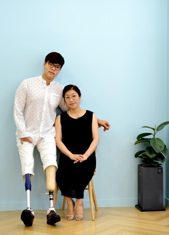 김세진(왼쪽)과 그의 어머니 양정숙씨. [사진 양정숙]