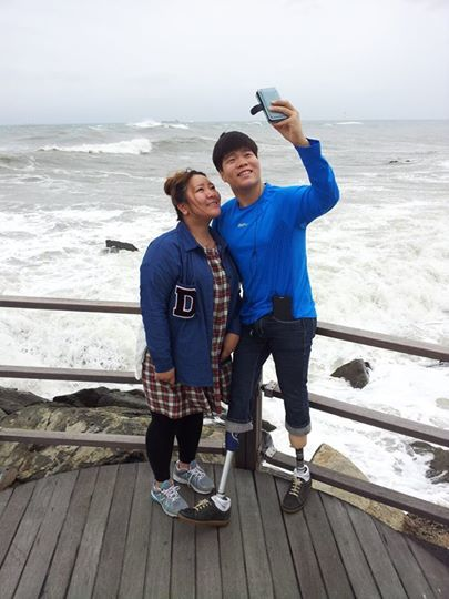 김세진(오른쪽)과 그의 큰 누나. [사진 양정숙]