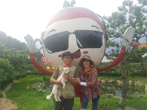 사진 왼쪽부터 남편 박성진 씨 신정현 씨 사진 서지명