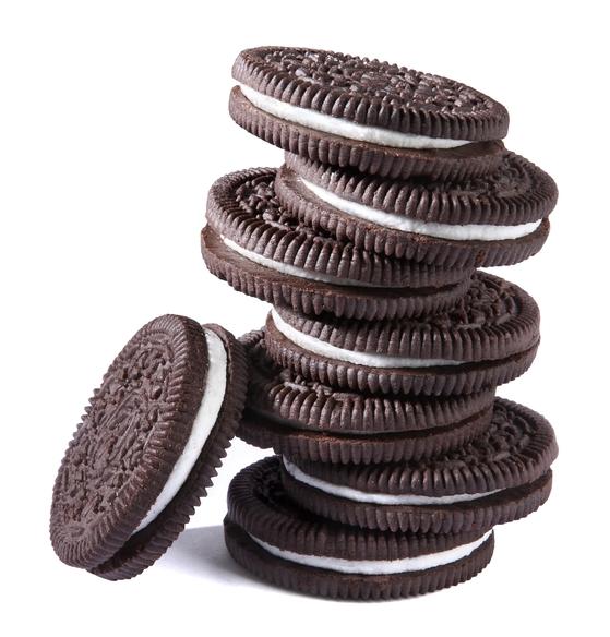 코코아 파우더가 듬뿍 들어간 오레오 쿠키. 특유의 진한 맛으로 간단 베이킹 재료로 자주 사용된다. [사진 오레오]