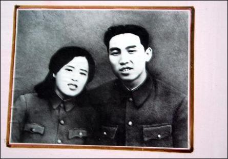 만주 항일 유격대 시절 김일성과 아내 김정숙. [위키미디어]