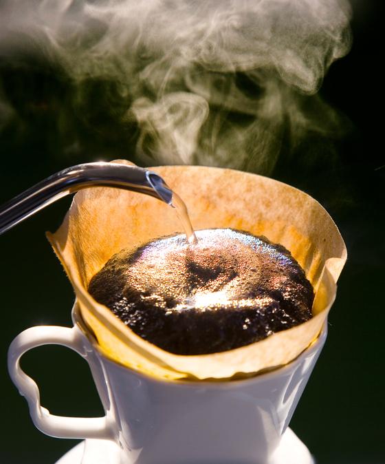 커피와 물의 비율은 최상의 커피 추출을 위한 요소이다. [중앙포토]