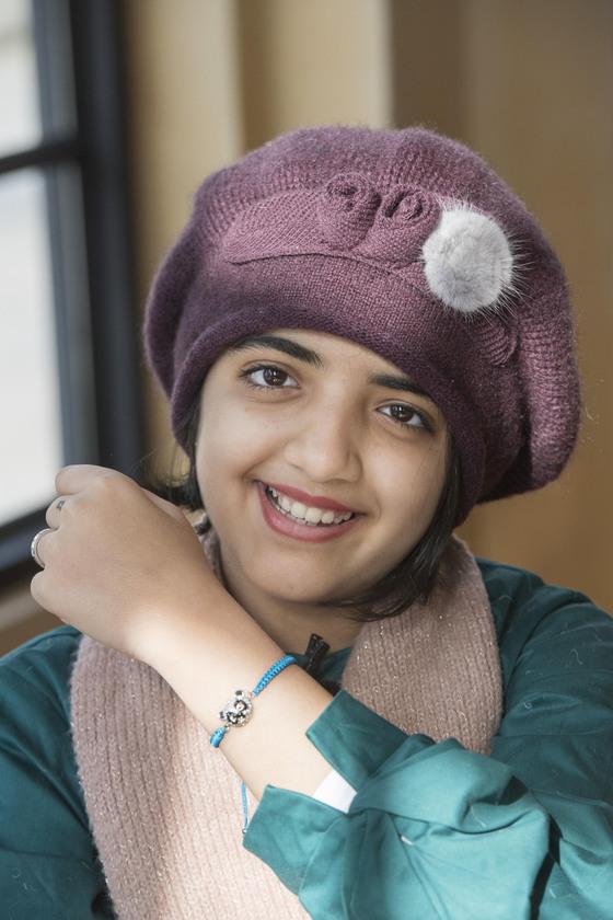 '중동의 국민 여동생'으로 불리는 인기 연예인 아이샤 알 수와이디(14· Alsuwaidi Aaesha)가 지난 12일 경기도 용인 에버랜드를 방문했다. [사진 에버랜드]