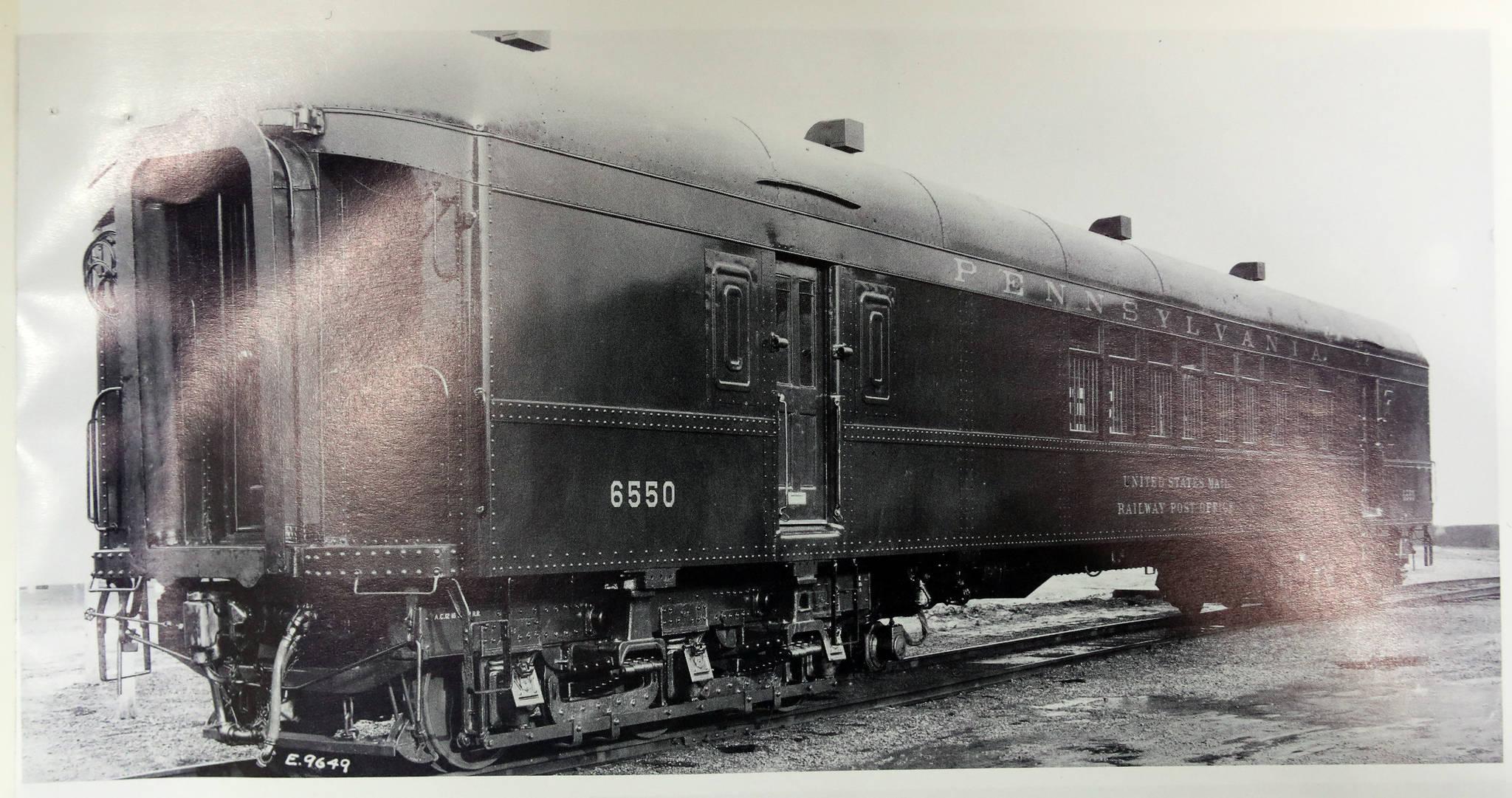 이현만 씨가 참고하여 제작한 미국의 우편물 수송용 기차인 'POST OFFICER CAR'. [사진 기차왕국박물관]