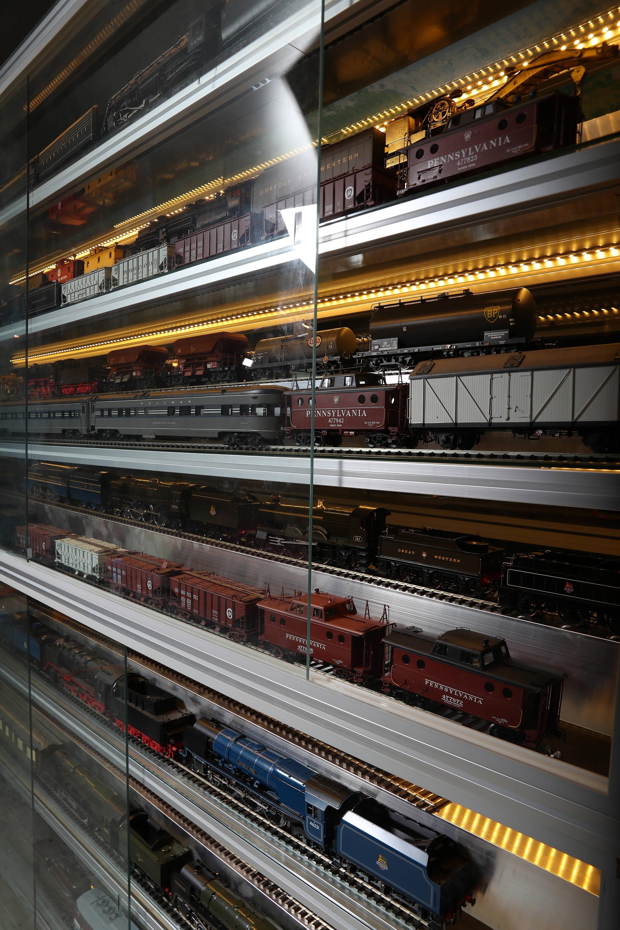 박물관 외벽을 둘러싼 전시공간을 가득 메운 기차 모형들. 우상조 기자