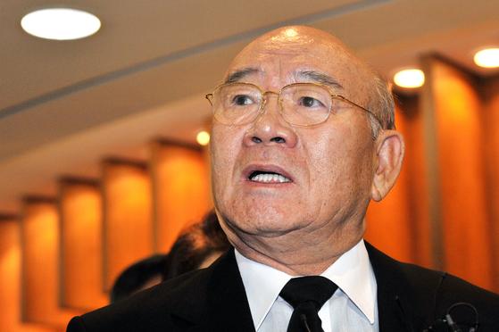 전두환 전 대통령은 지난해에 이어 올애도 서울시 체납자 명단이 이름을 올렸다. [중앙포토]