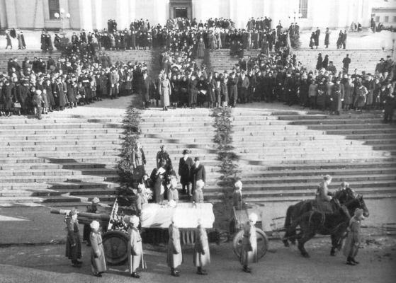1956년 헬싱키에서 열린 만네르하임 국장.