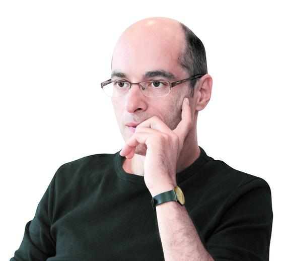 `개미`, '제3 인류' 등의 작가 베르나르 베르베르. [중앙포토]