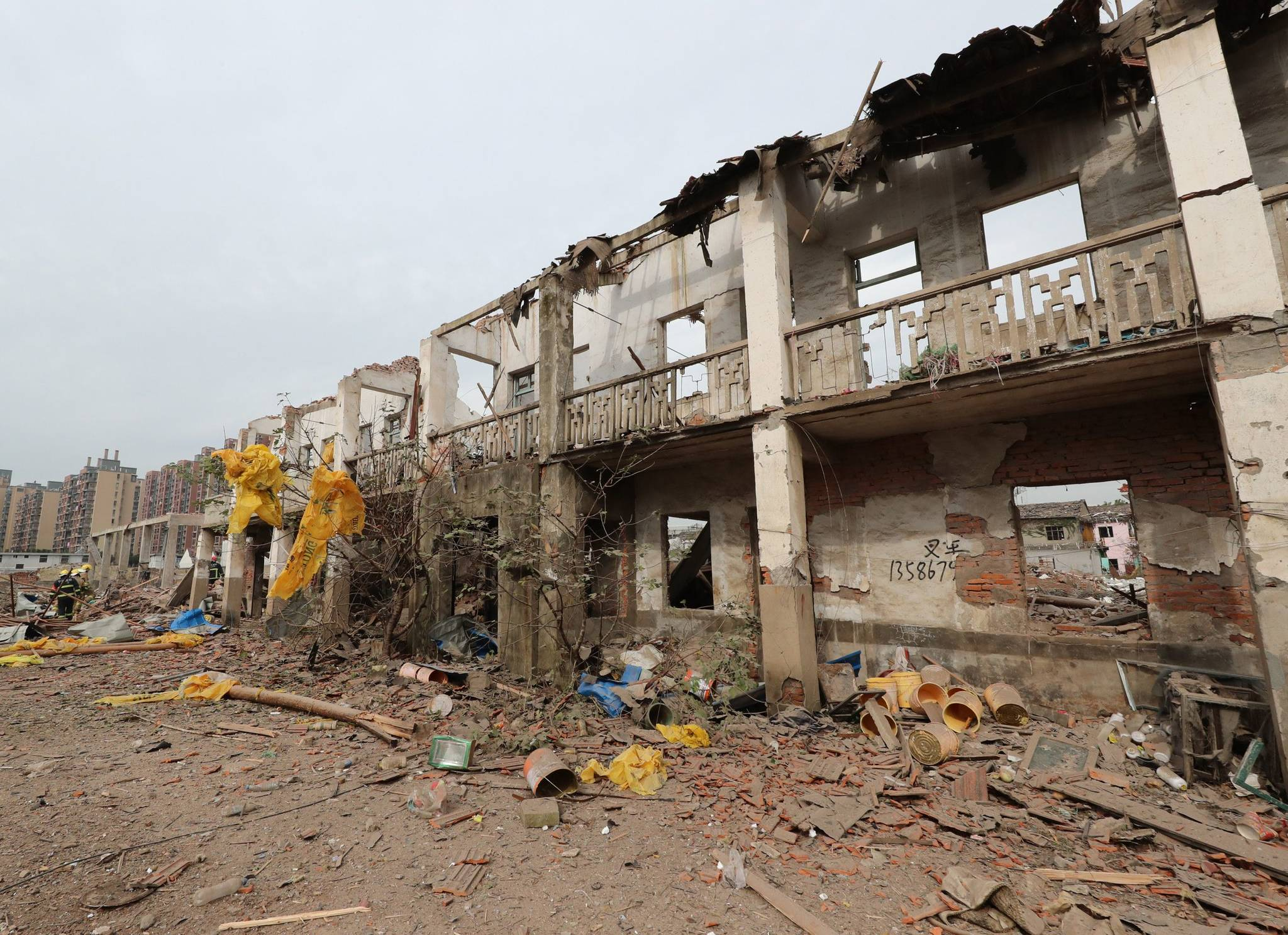 26일 중국 동부 저장성 닝보 폭발사고 현장.[AFP=연합뉴스]