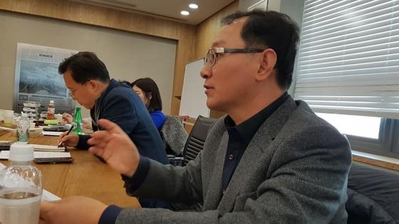 중앙일보 중국연구회에서 '시진핑의 생각'을 강연하고 있는 안치영 교수. [사진 차이나랩]