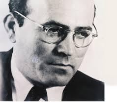 초대 모사드 국장 레벤 실로아흐(1949~53년 재임). 모사드가 창립도 되기 전에 아랍의 이스라엘 공격 정보를 입수해 다비드 벤구리온 총리에 제출함으로써 정보기관 설립의 필요성을 인식시켰다. [출처=모사드 홈페이지]