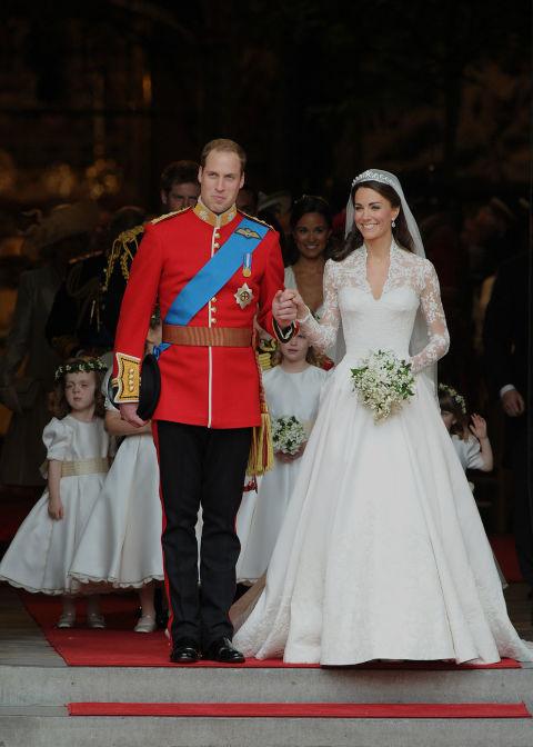 영국 대표 디자이너 브랜드 '알렉산더 매퀸'의 웨딩 드레스를 입은 케이트 왕세손빈의 결혼식 당시 모습. [중앙포토]