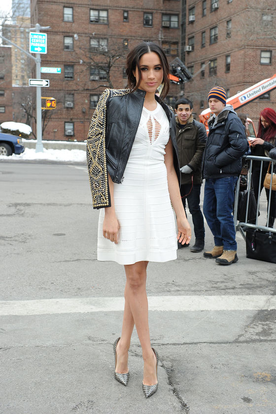 2014년 뉴욕 패션위크가 열린 링컨 센터 앞에서 포즈를 취한 마클. [AFP=연합뉴스]