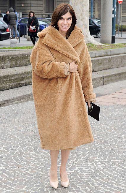 전 보그 파리 편집장인 카린 로이펠트가 입은 막스마라 테디 베어 코트.[사진 막스마라 홈페이지]