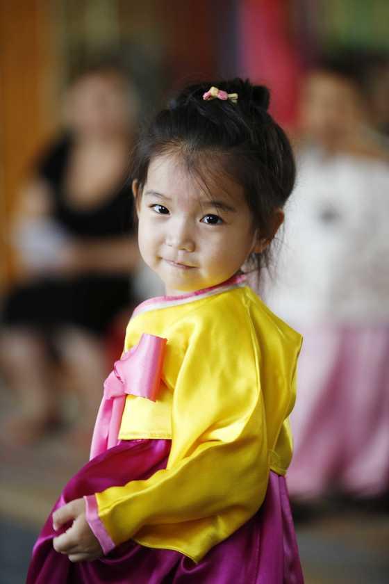 한 고려인 아이의 모습. 현행법상 국내에 체류 중인 고려인 4세대 이하는 동포가 아닌 외국인이다.[중앙포토]