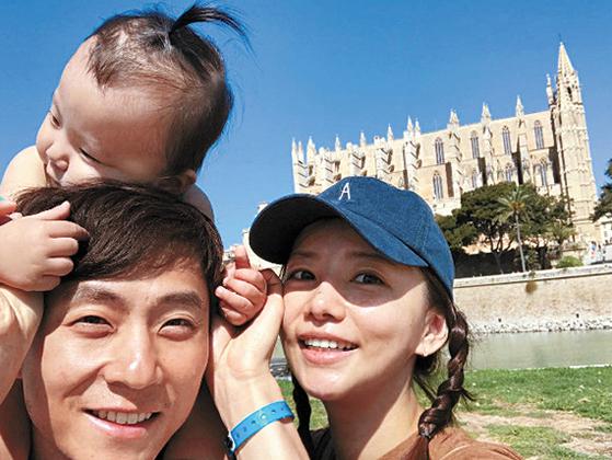 그는 평창올림픽에선 아내 우나리씨(사진)와 딸 제인을 위해서 뛰겠다는 각오다. [우나리씨 SNS]