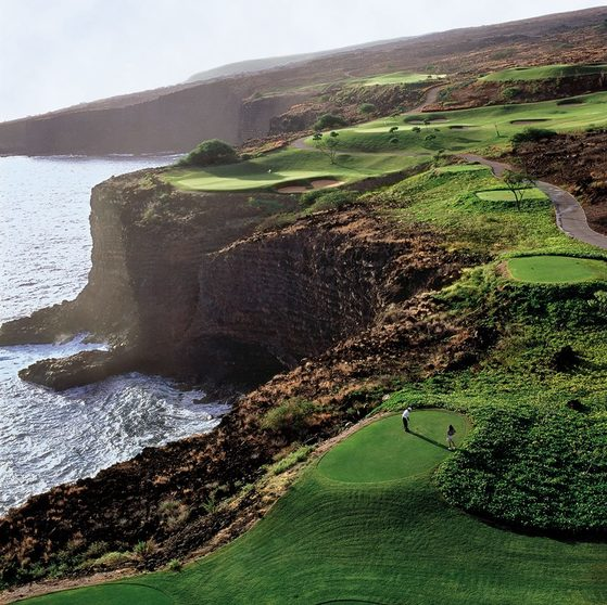 잭 니클라우스가 디자인한 마넬레 골프장. 이곳에선 워터헤저드가 태평양이다. [사진 하와이안 항공]