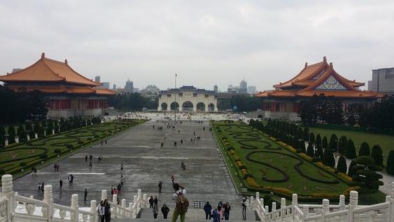대만 타이베이의 자유광장. 중국과 달리 민주주의와 자유, 인권존중과 배려가 있는 대만을 상징한다.