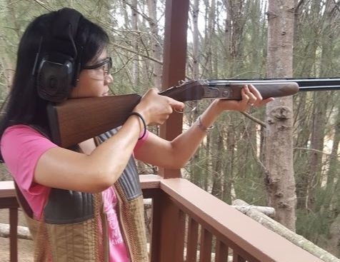 총을 한 번도 쏴보지 않은 사람도 클레이 사격을 할 수 있다.