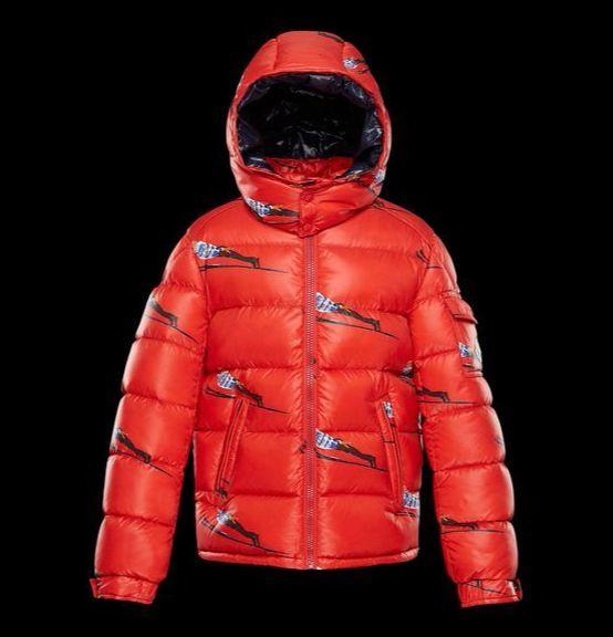 몽클레르의 어린이 라인 '몽클레르 앙팡'의 패딩. 스키점프 이미지를 재치 있게 넣어 경쾌하고 가벼운 이미지를 냈다. 가격 별도 문의. [사진 몽클레르]