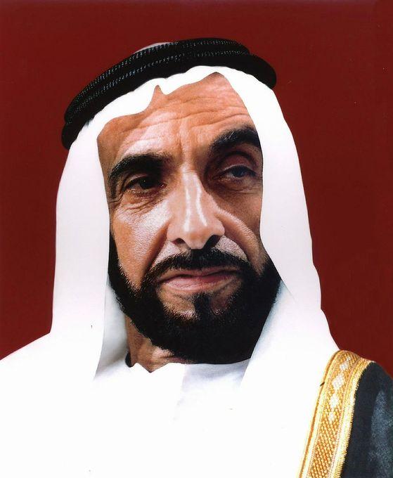 자이드 빈 술탄 알나하얀. 1971년 7개의 수장국을 묶어 아랍레미리트(UAE)를 건국하고 초대 대통령이 된 아부다비의 에미르다. 현재 에미르인 칼리파와 왕세제인 무함마드의 부왕이다.