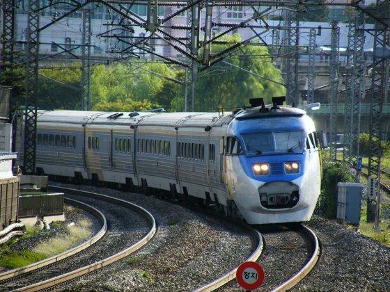 새마을호 등 옛 철도청(현 코레일)이 운영하는 열차는 모두 좌측통행이다. [중앙포토]