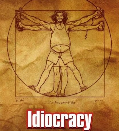 2006년 미국에서 개봉한 영화 이디오크라시. 500년 후 인간의 지능이 크게 낮아진 디스토피아적 미래를 그렸다. [영화 이디오크라시]