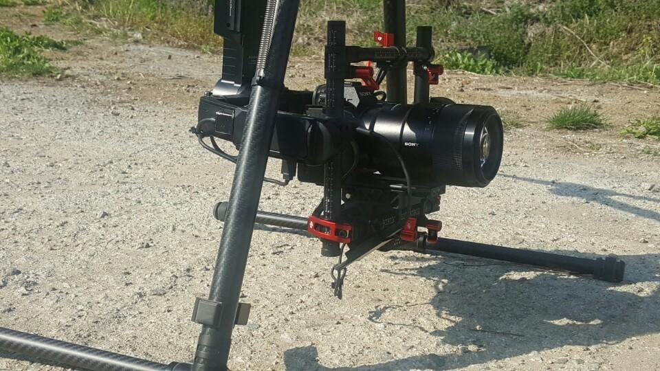 교통단속용 드론에는 4200만 화소의 고성능 카메라가 탑재된다. [중앙포토]