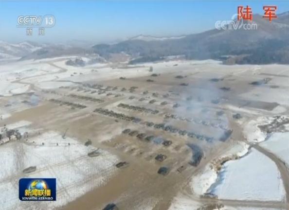 지난 3일 개최된 '2018 군사훈련 동원대회'에 참가한 육군 모 기갑부대가 시진핑 주석의 명령이 떨어지자 훈련장에서 기동하고 있다.[사진=CC-TV 캡처]