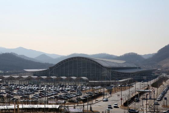 항공기 탑승수속을 미리 마칠 수 있는 도심공항터미널이 17일 문을 여는 KTX 광명역. [중앙포토]