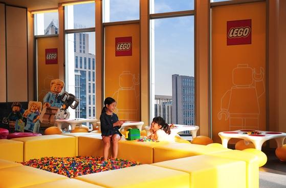 포시즌스 호텔 서울은 10층에 아이들을 위한 레고 라운지를 운영한다. [사진 포시즌스 호텔 서울]