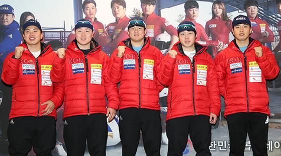 봅슬레이 남자 4인승에 출전하는 서영우·원윤종·김동현·오제한·전정린(왼쪽부터). [뉴스1]
