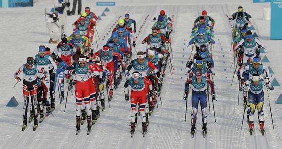 10일 평창올림픽 크로스컨트리 스키애슬론 경기 장면. [AP=연합뉴스]