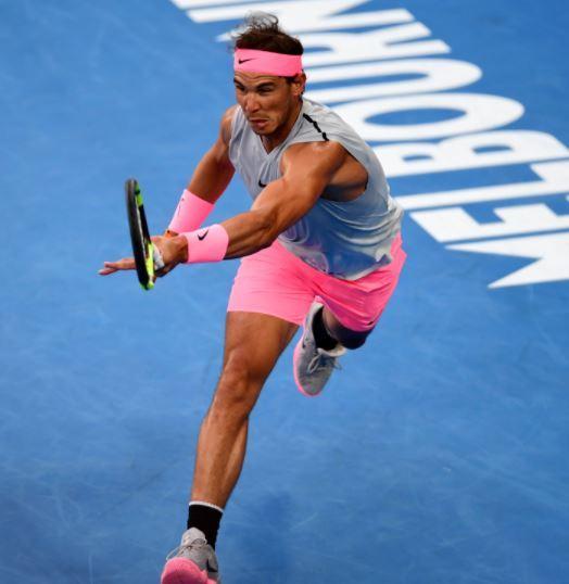 같은 경기의 또 다른 나이키 후원 선수 라파엘 나달. 역시 핑크색 위주의 운동복과 운동화를 착용하고 있다. [사진 호주오픈 홈페이지]