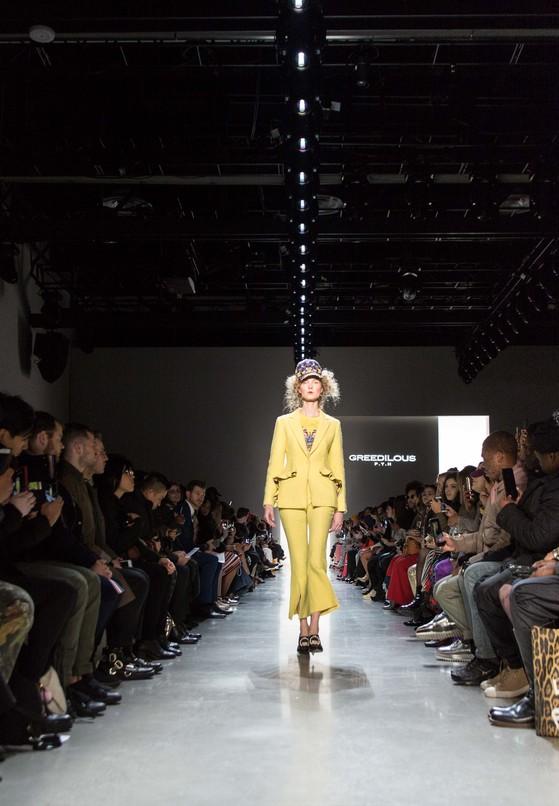 박윤희 디자이너가 이끄는 브랜드 '그리디어스'의 무대. 올해 컬렉션의 테마는 화려함과 낭만이 돋보이는 프랑스의 왕비 마리 앙투아네트였다. [사진 컨셉코리아]