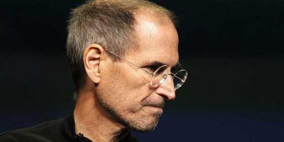 애플 CEO였던 스티브 잡스는 180cm가 넘는 장신이었다.